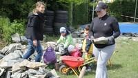 Weber grillt Abenteuerkindergarten Hof 02.jpg